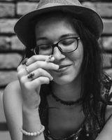 """""""a saját életem darabkáiból merítkezem"""" – interjú KoprivaNikolettel"""